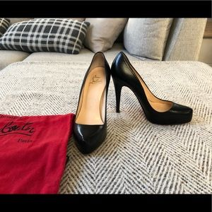 Louboutin pumps shoes Rolando 35 or size 5